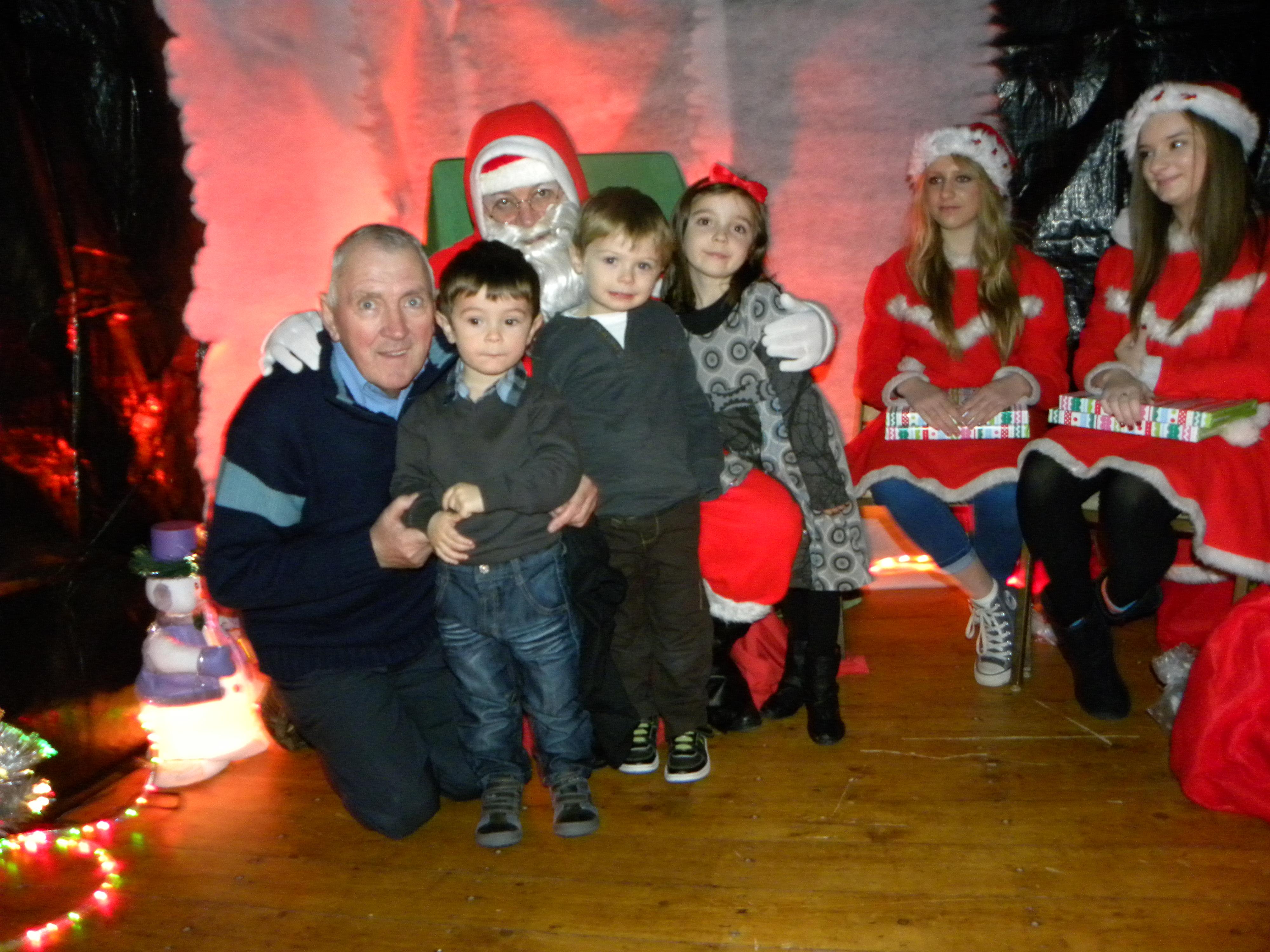 Santa Visit 2011 052